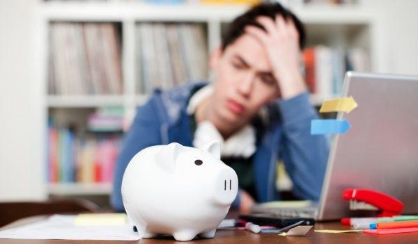 Со скольки лет можно брать кредит?